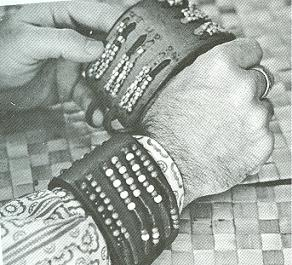 photo of a wrist bead counter